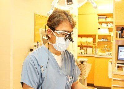 当院の医師です。歯やお口についてのお悩みがある方は、是非一度ご相談ください。