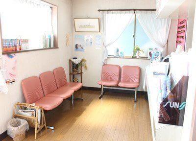 鷹の台駅 出口徒歩 10分 小池歯科医院の待合室の風景写真4