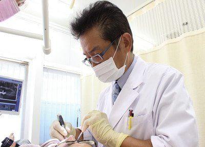 新宿駅 西口徒歩3分 カラサワ歯科クリニック写真1