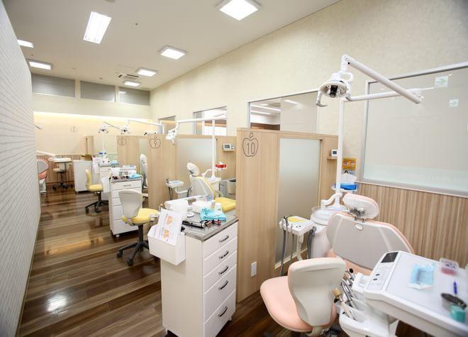 伊勢崎駅 出口車 10分 いせさき西部モール歯科の治療台写真4