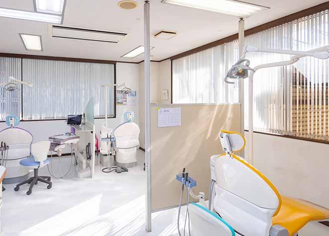 つつじヶ丘駅 出口徒歩 3分 大沢歯科医院の治療台写真3