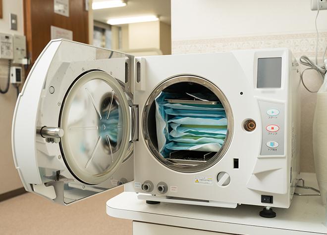 クラスBの滅菌器ですみずみまで滅菌!清潔な治療環境