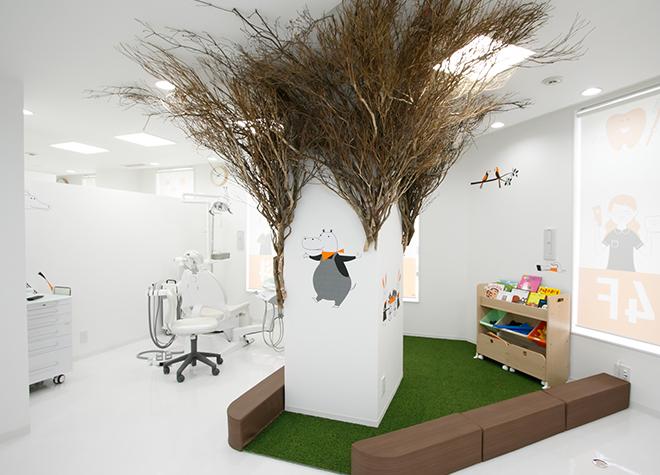 キッズスペースのある診療室の風景