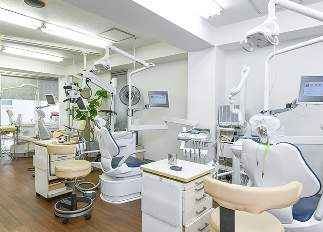鶴瀬駅 西口徒歩 1分 鶴瀬西口歯科の治療台写真2