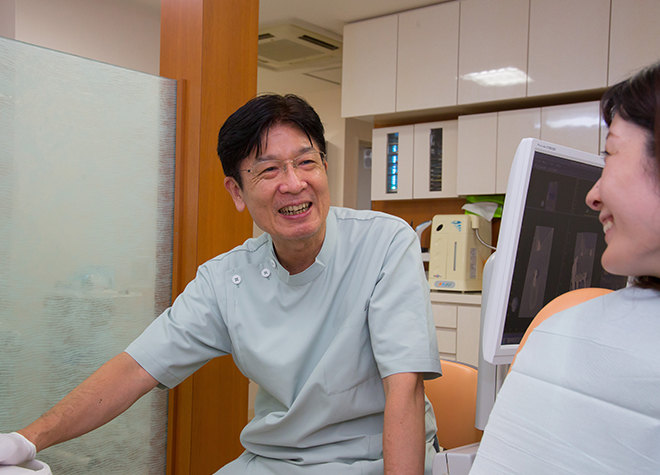 西院駅(阪急) 出口車 8分 中村歯科医院のカウンセリング風景写真6