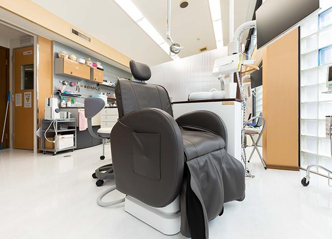 石山駅 出口 車13分 芝田歯科クリニックの治療台写真1