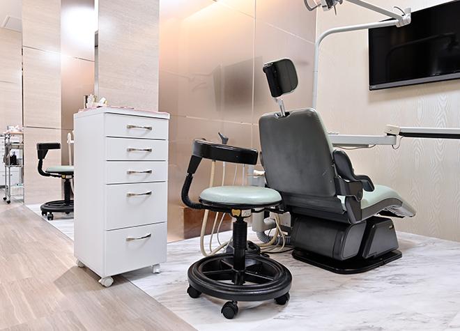 目白駅 出口徒歩 1分 目白歯科矯正歯科の治療台写真2