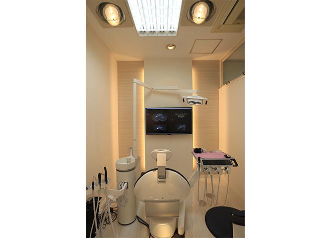戸塚駅 1番出口徒歩2分 金子歯科クリニックの治療台写真2
