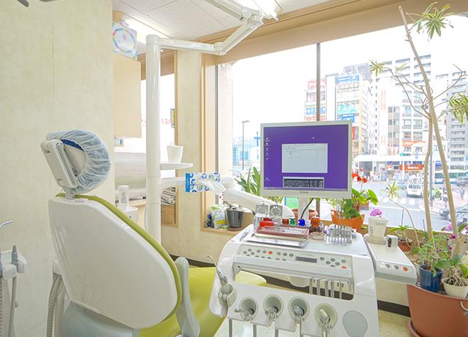 新小岩駅 南口徒歩1分 早川歯科医院の治療台写真1