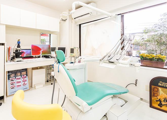 小岩駅 南口徒歩 8分 岡部歯科の治療台写真2