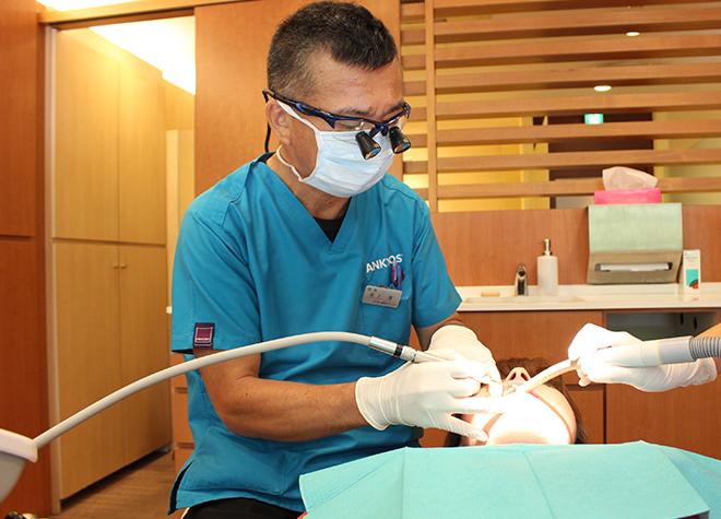 心斎橋駅 1番出口徒歩 1分 井上歯科クリニックの治療風景写真6