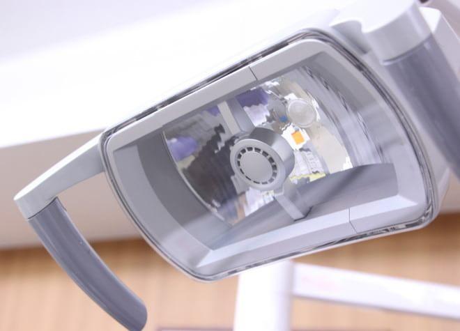 船橋駅 出口徒歩 1分 医療法人社団 郁栄会 寒竹ファミリー歯科の治療台写真2