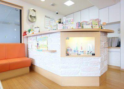 常盤駅(京都府) 出口1徒歩 2分 いばらき歯科クリニックの受付の風景写真2