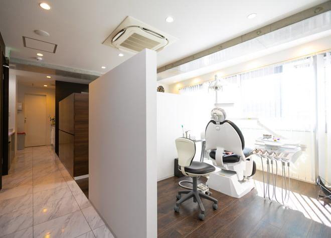 武蔵小山駅 東口徒歩 2分 すが矯正歯科クリニックの治療台写真3