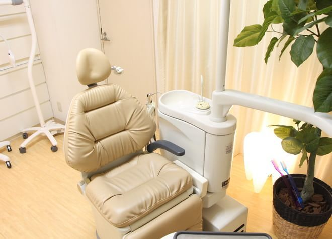 【日本橋駅(東京都) D2出口徒歩12分】 Teethfulデンタルクリニックの治療台写真6