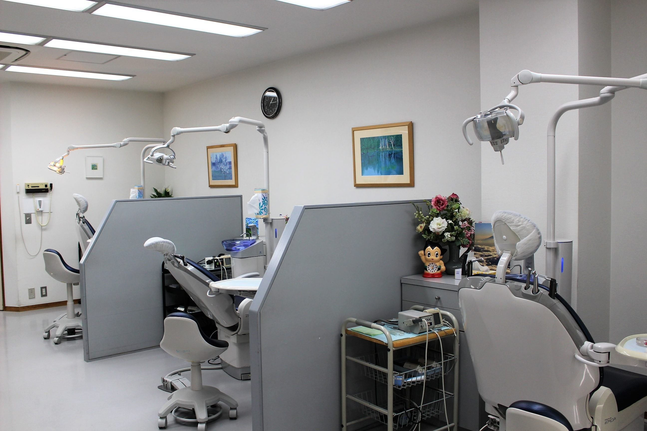 【静岡市:静岡駅 徒歩5分】 ヤマダ歯科の治療台写真3