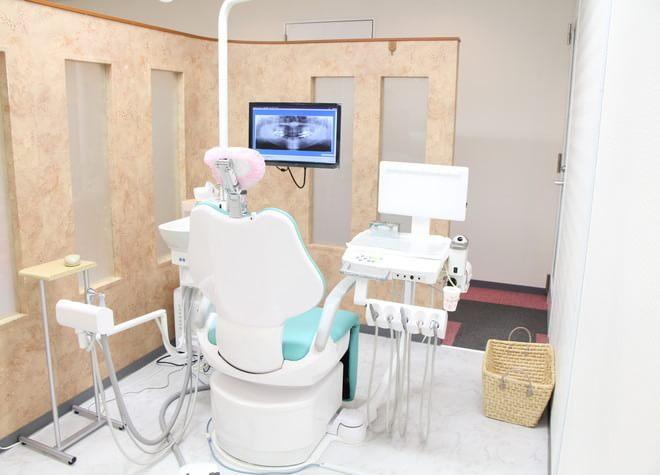 千石駅 A3出口徒歩5分 アクアグリーンコート歯科の治療台写真7