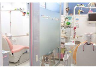 経堂駅 北口徒歩 1分 とも歯科のとも歯科写真2