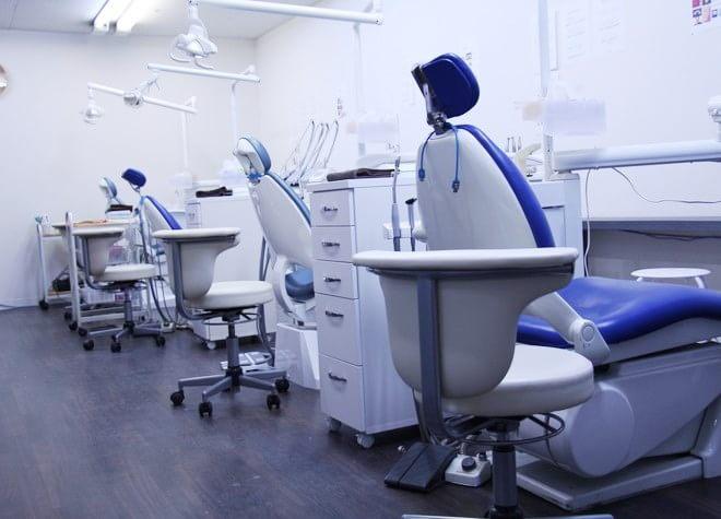 西大宮駅 出口徒歩15分 ショッピングセンター歯科の治療台写真1