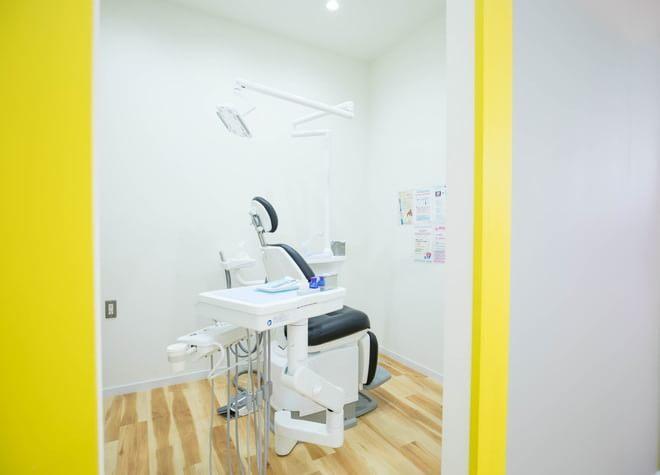西長堀駅 7-A出口徒歩 5分 医療法人 日吉会 れい歯科の治療台写真4