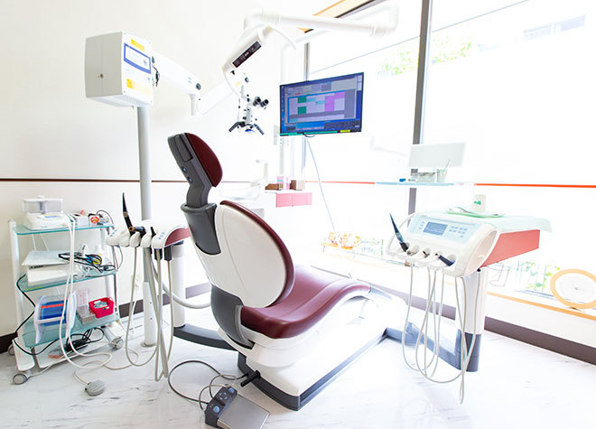 下総中山駅 南口徒歩 5分 岡本歯科クリニックの治療台写真2