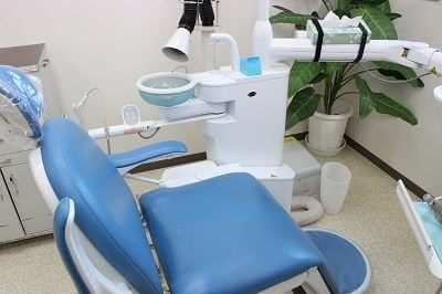 近鉄弥富駅 出口徒歩15分 むらせ歯科の治療台写真2