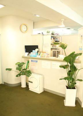 鶴瀬駅 西口徒歩 1分 鶴瀬西口歯科の院内写真2