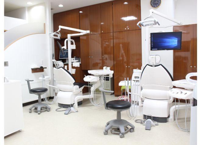 日本小児歯科学会認定「小児歯科専門医」の資格を持つ女性の副院長