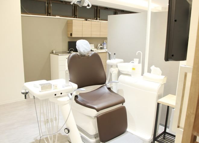 江古田駅 北口徒歩 3分 江古田ホワイト歯科の治療台写真7