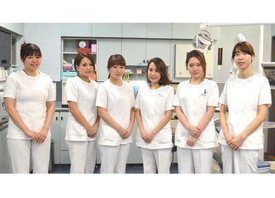 西新宿駅 E7徒歩 1分 川口歯科診療所の女性スタッフ写真2