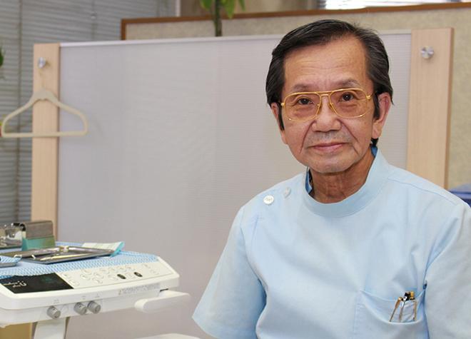 小坂歯科クリニックの院長の写真