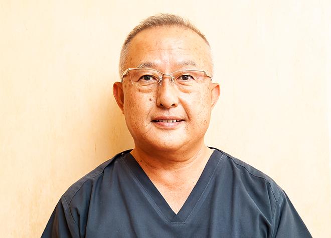 辻岡歯科医院 院長