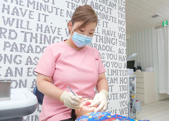 女性歯科医師が在籍!親御さんの腕の中で治療を行うことも可能