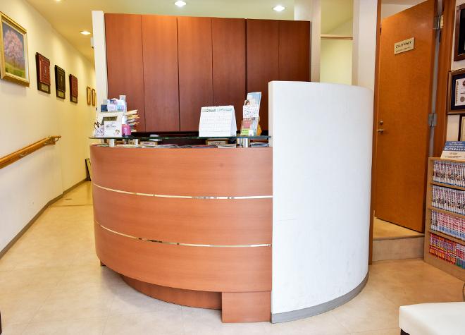一橋学園駅 北口徒歩 2分 きそ歯科クリニックの受付の風景写真3