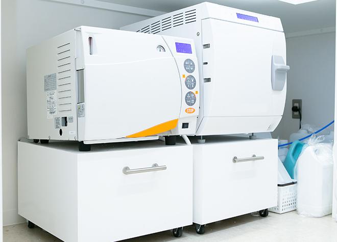 清潔な治療環境!クラスBの滅菌器をはじめさまざまな機器を活用