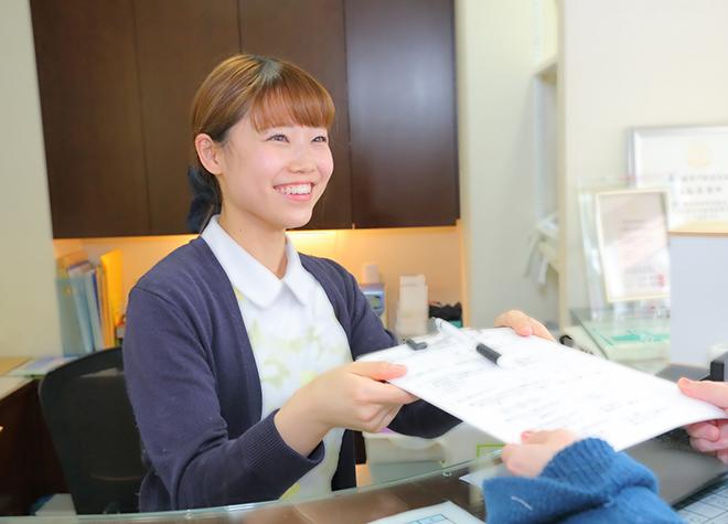 谷塚駅 東口徒歩 1分 森谷歯科医院の森谷歯科医院の受付の様子写真3