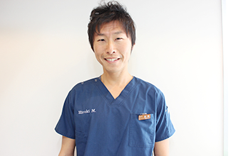 総合歯科 HMクリニック大阪中央 歯科医師