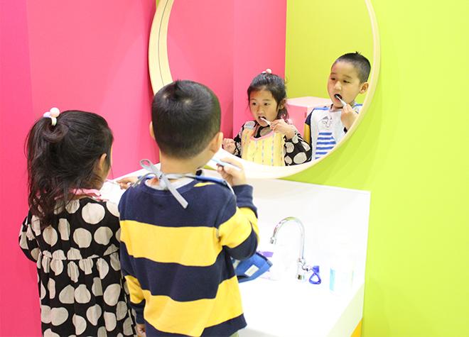 3歳未満の子供に歯磨き指導を行う「TBIルーム」を設置