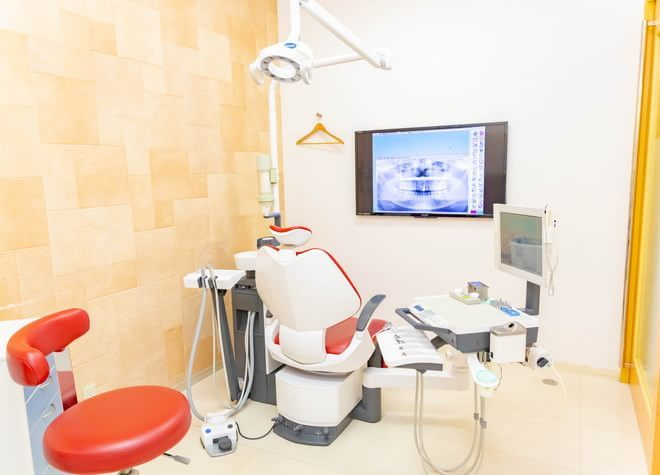 近鉄八尾駅 出口徒歩 6分 マイデンタルクリニックもりかわ歯科の治療台写真2
