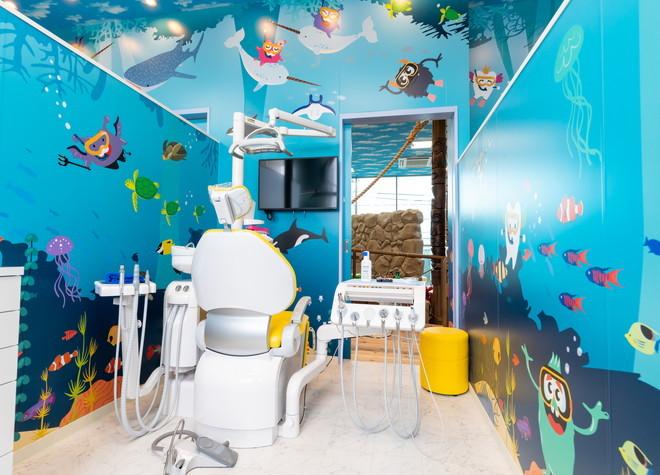 八潮駅 北口よりバス 5分 Lea Lea歯科矯正歯科クリニックの治療台写真3
