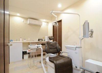 鳴尾・武庫川女子大前駅 出口車 3分 まつうら歯科クリニックの治療台写真6