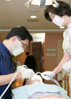 西鉄福岡(天神)駅南口 徒歩1分 岡崎歯科医院の院内写真4