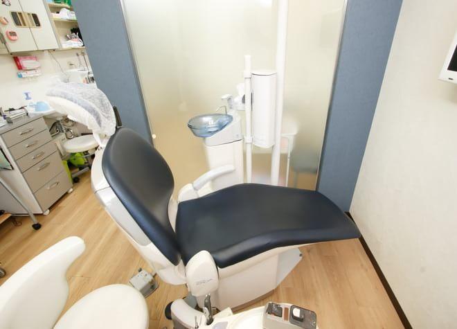 桃谷駅 出口徒歩 2分 桃谷歯科の治療台写真4