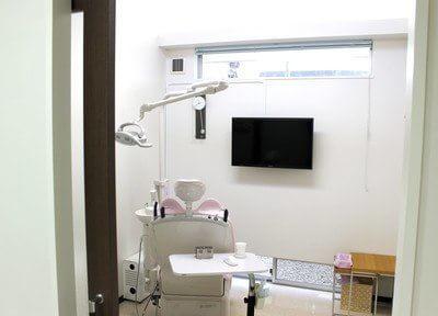 舞阪駅 出口徒歩2分 フル歯科医院の院内写真1