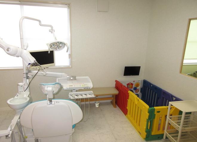 久居駅 出口徒歩 10分 ナカニシ歯科医院の治療台写真3
