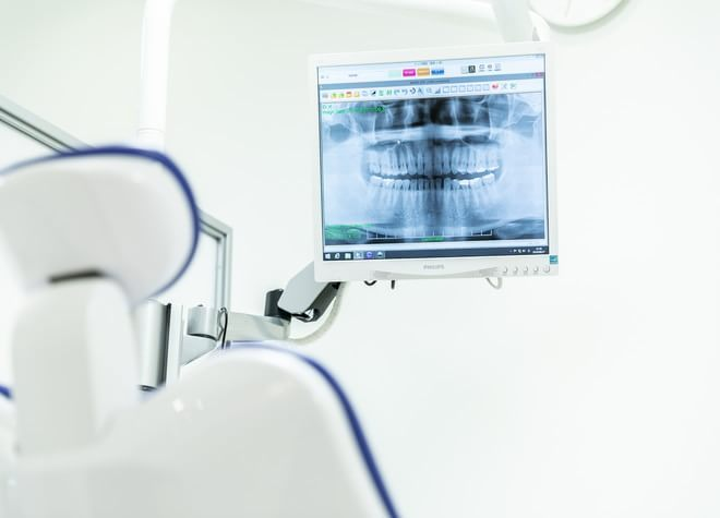 中野新橋駅 出口徒歩 1分 なかの新橋歯科クリニックの治療台写真3