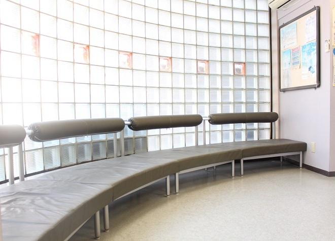 東区役所前駅 徒歩13分 おおつか歯科の待合室写真7