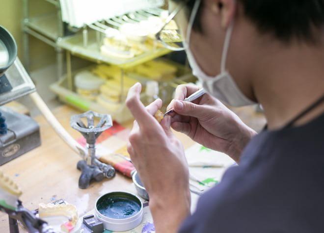 西京極駅 出口徒歩 10分 タキノ歯科医院の歯科技工士写真4