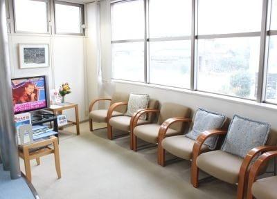 宇部岬駅 出口徒歩 5分 AQUA石井歯科 宇部歯周再生インプラントクリニックの院内写真2