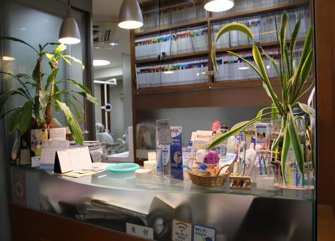 御茶ノ水駅 聖橋口徒歩0分  小山歯科クリニックの院内写真2